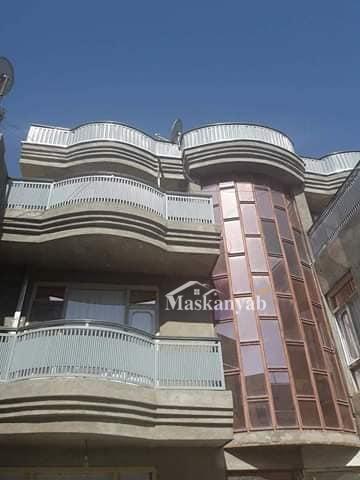ساختمان سه منزله فروشی در سرک میدان هوایی شهر کابل